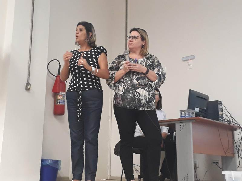 Profissionais da APAE dão novo treinamento na rede municipal