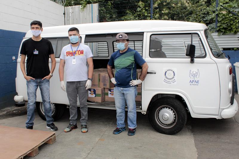 Tenda Atacado doa 50 cestas de alimentos para a APAE de Jundiaí