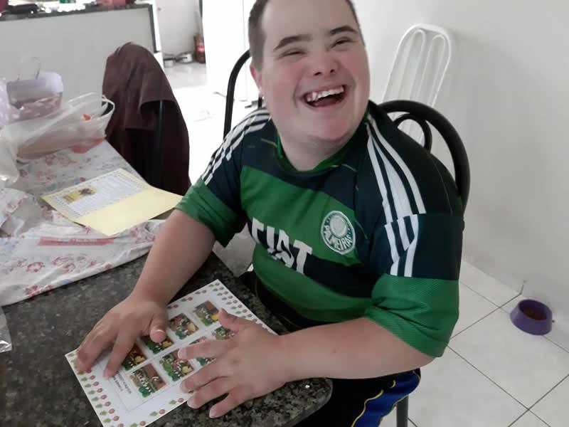 APAE de Jundiaí orienta os pais e familiares com atividades para desenvolver em casa