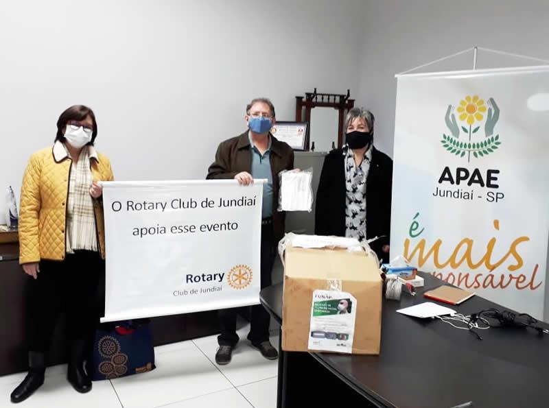 APAE de Jundiaí recebe doação de máscaras do Rotary
