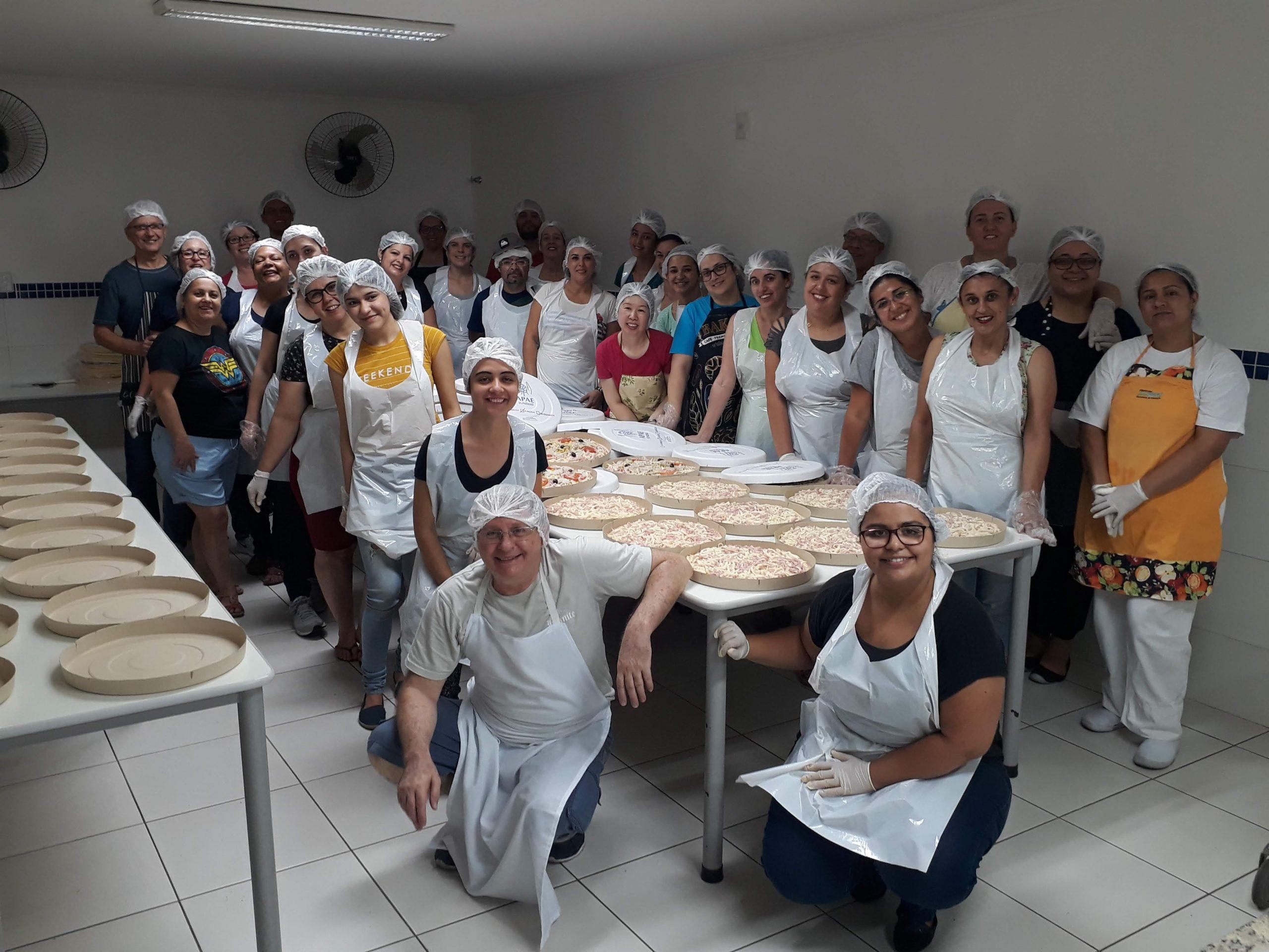 15ª Pizza Solidária reúne dezenas em solidariedade