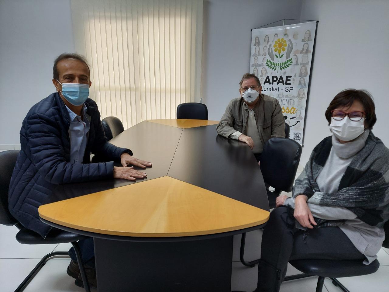 APAE recebe a visita de Miguel Haddad